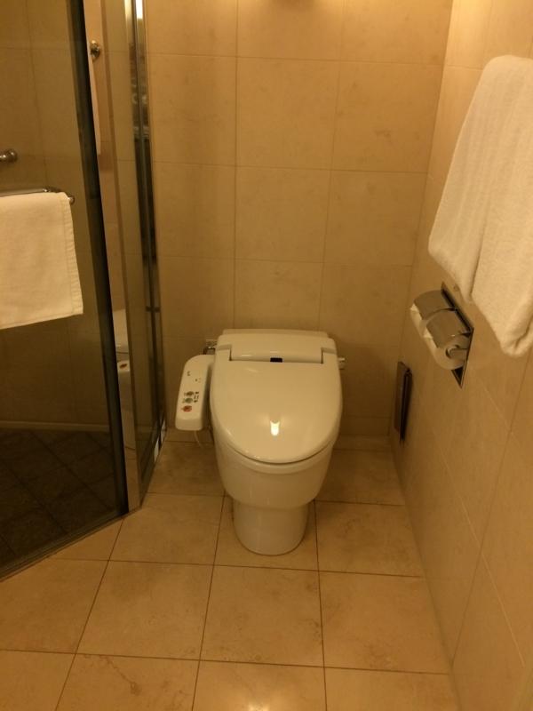 名古屋マリオットホテルの客室のトイレ