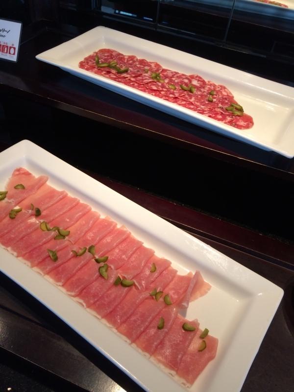名古屋マリオットホテルのエグゼクティブラウンジのカクテルタイムの料理