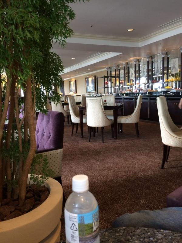 名古屋マリオットホテルのエグゼクティブラウンジ2