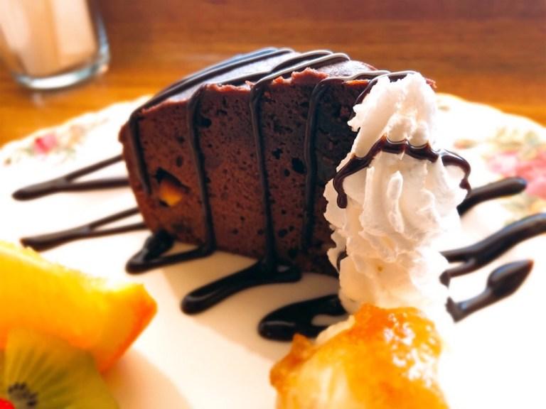 森の魔女カフェのチョコレートケーキ