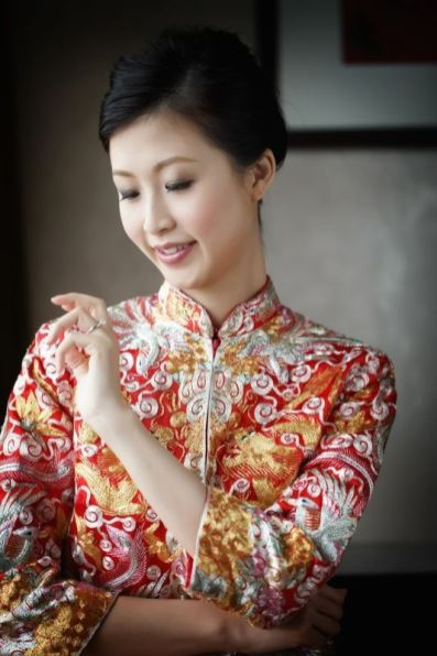 Kalamakeup bride May getting ready for Chinese Tea Ceremony at Peninsula Hotel, H.K.