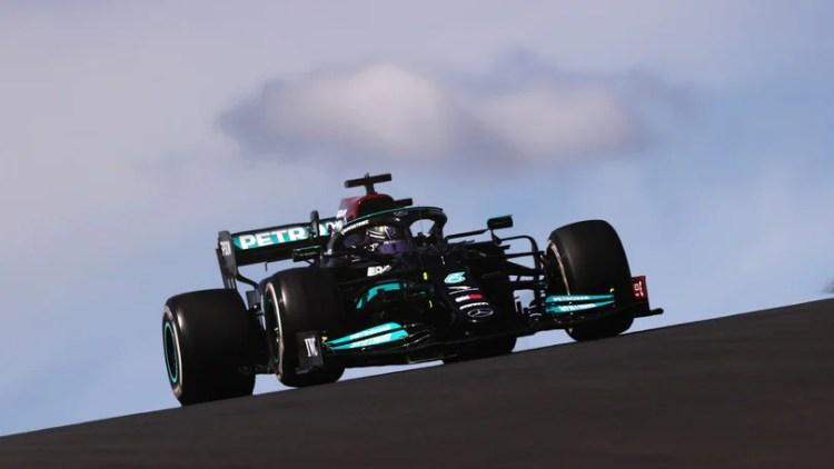 """Hamilton: """"GP Portimao difficile, ma ho azzeccato l'attacco a Max"""" -  Autosprint"""