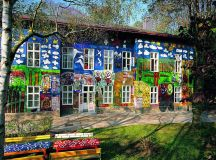 """How This Vienna Suburb Became the Center of the """"Raw Art ..."""