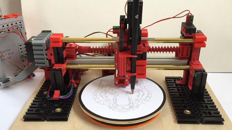 Máquina de dibujo con coordenadas polares basada en Arduino