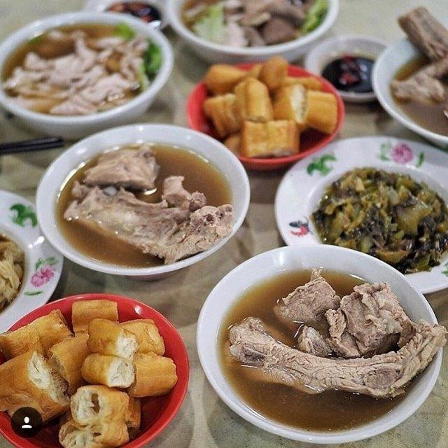 Founder Bak Kut Teh Cafeteria 发起人肉骨茶餐馆