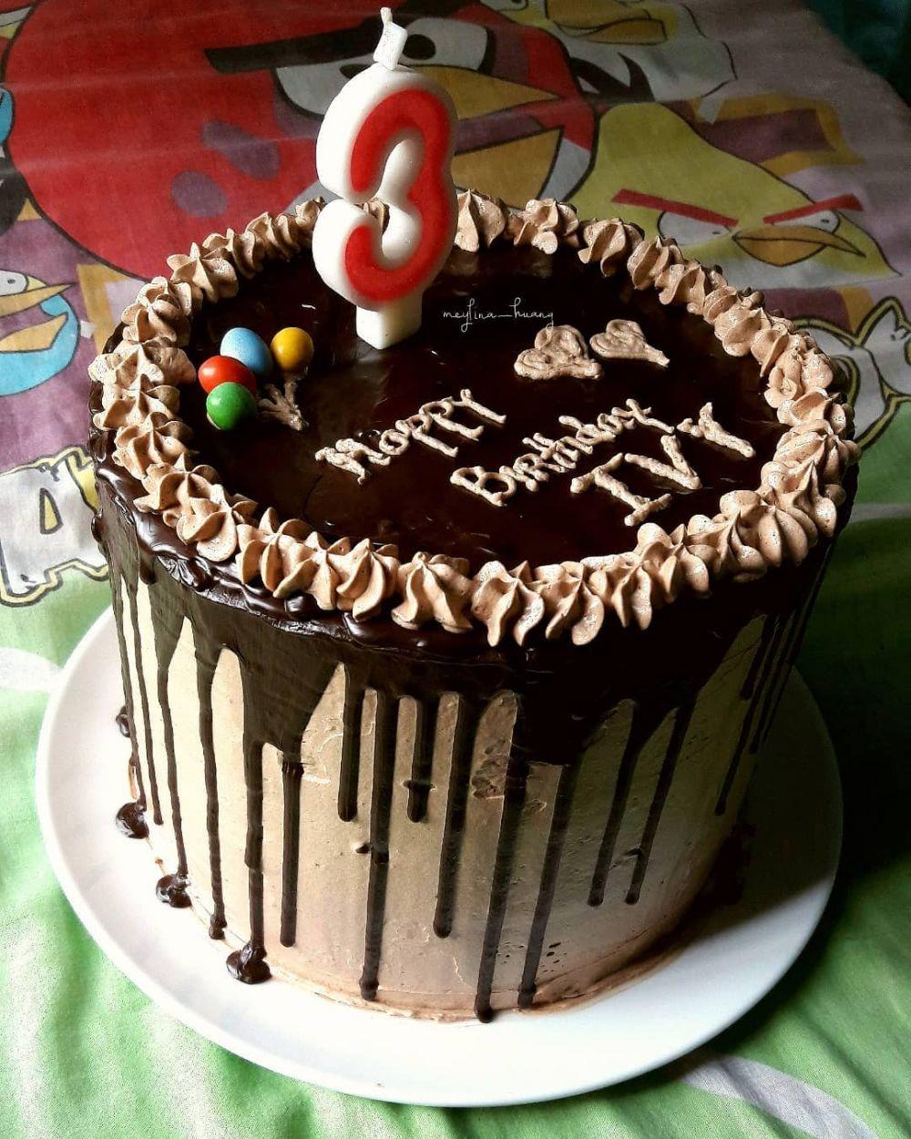 Kue Ultah Coklat Simple : ultah, coklat, simple, Membuat, Ulang, Tahun, Enak,, Sederhana, Cantik