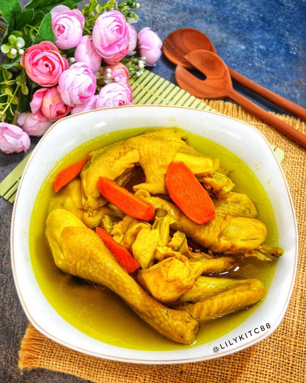 Resep Ayam Kuah Kuning : resep, kuning, Resep, Bumbu, Kuning,, Praktis, Untuk, Sajian, Keluarga