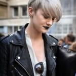 Coupe Courte Cheveux Gris Automne Hiver 2018 Les Plus Belles Coupes Courtes A Adopter En 2021 Elle