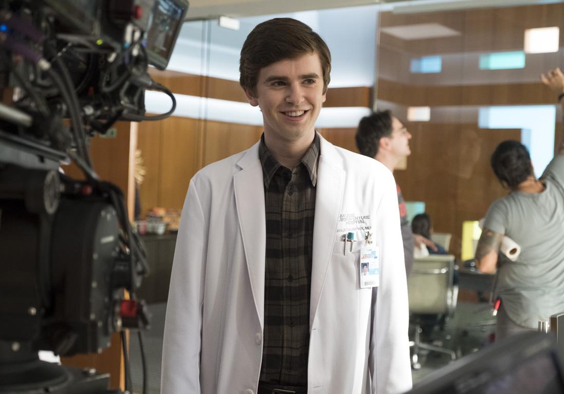 The Good Doctor  qui est Freddie Highmore la star de la srie diffuse sur TF1   Elle