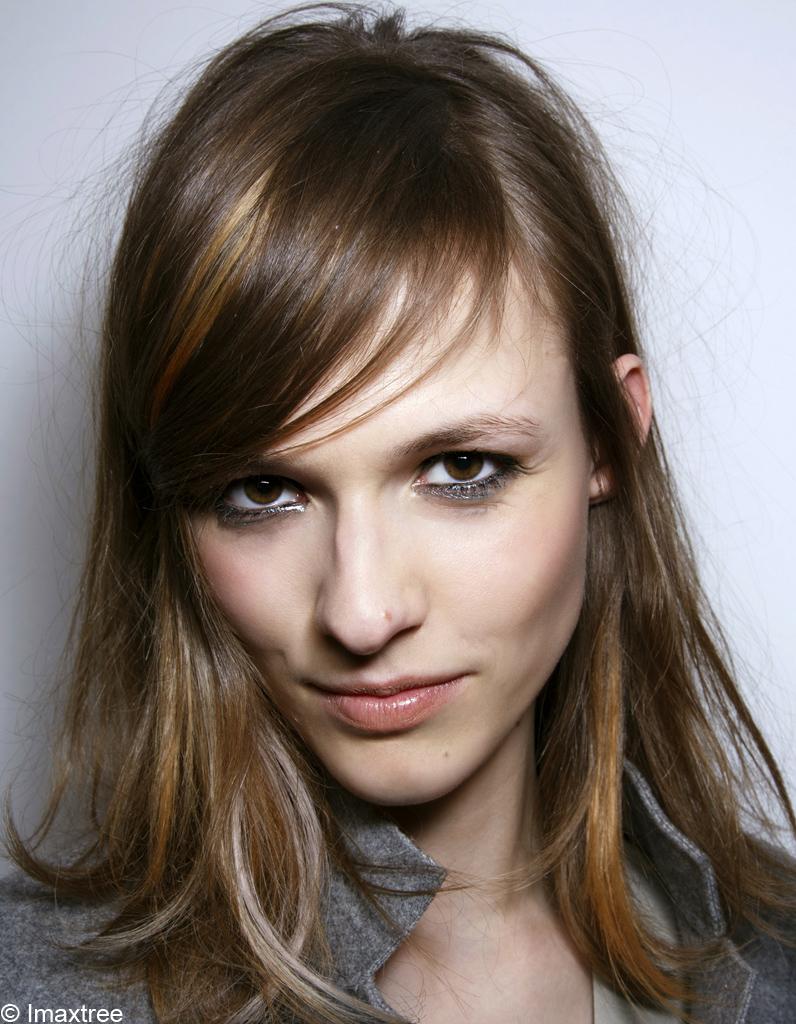 Cheveux brun avec meche blonde fashion designs - Meche blonde caramel ...