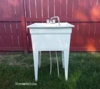 Spray Painted Plastic Laundry Tub | Hometalk