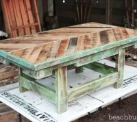 http://beachbumlivin.com Pallet Wood Coffee Table!!   Hometalk