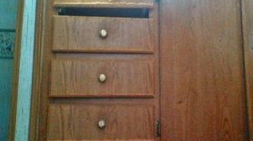 Also Would It Be Possible Just Replace The Doors Four Drawers Able To Replaced As Well Has Any One Tried Using Laminate Sheets For