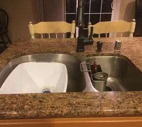 backsplash for a center island sink