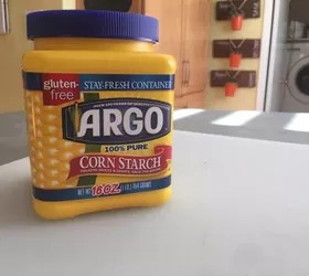 How to Cover Mirrored Doors with Cornstarch?