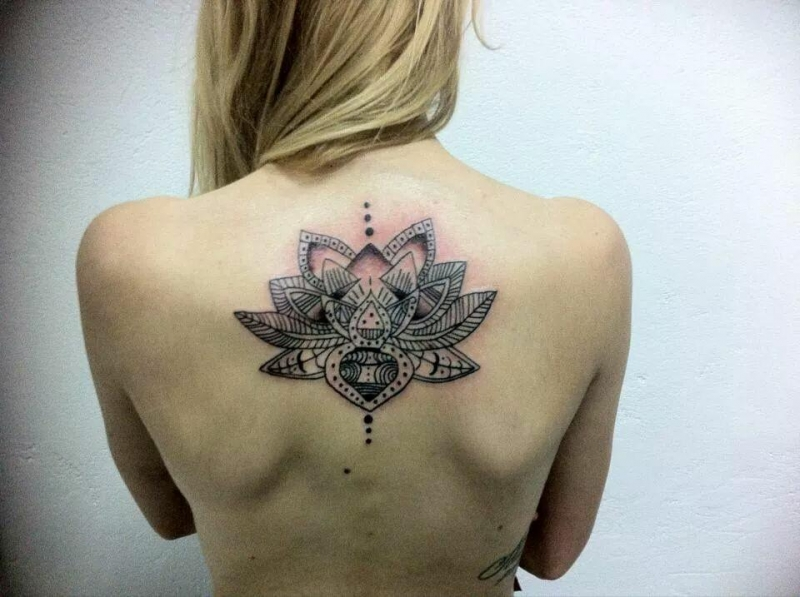 Grande Leao Tatuagens Femininas Nas Costas