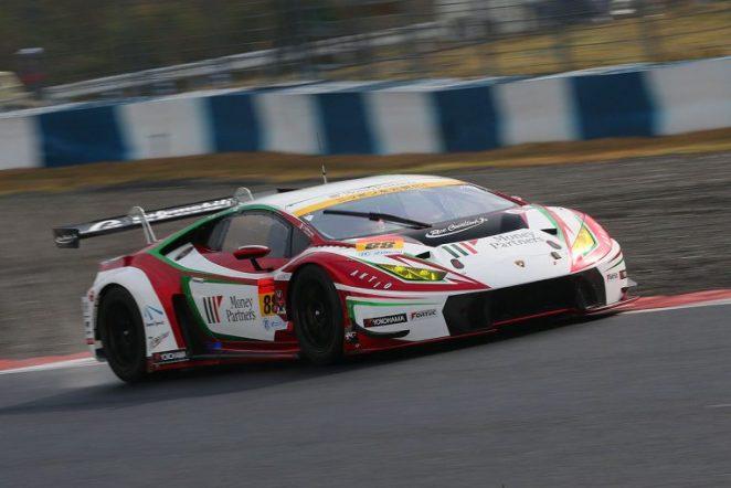 スーパーGT第1戦岡山 GT300クラスのポールポジションを獲得したマネパ ランボルギーニ GT3