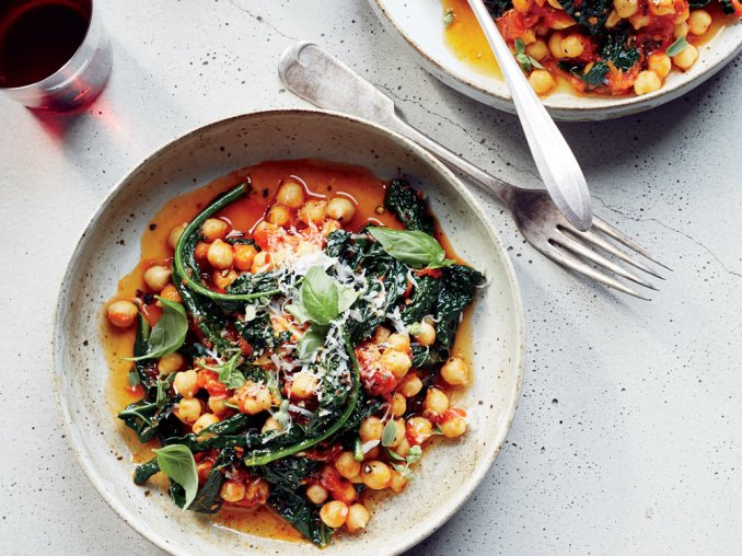 Chickpeas and Kale in Spicy Pomodoro Sauce Recipe - Missy
