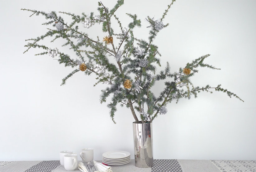 Video: Small Christmas Tree Decorating Tips