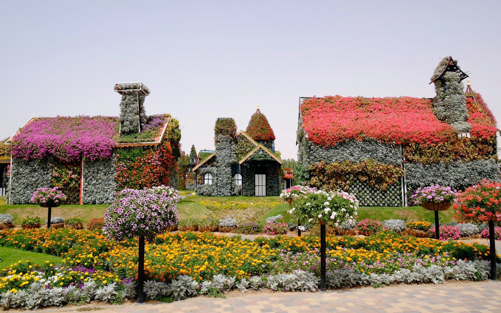Fall In Chicago Wallpaper Dubai Miracle Garden Travel Leisure