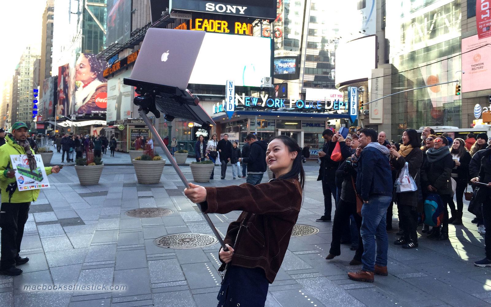 macbook selfie sticks travel