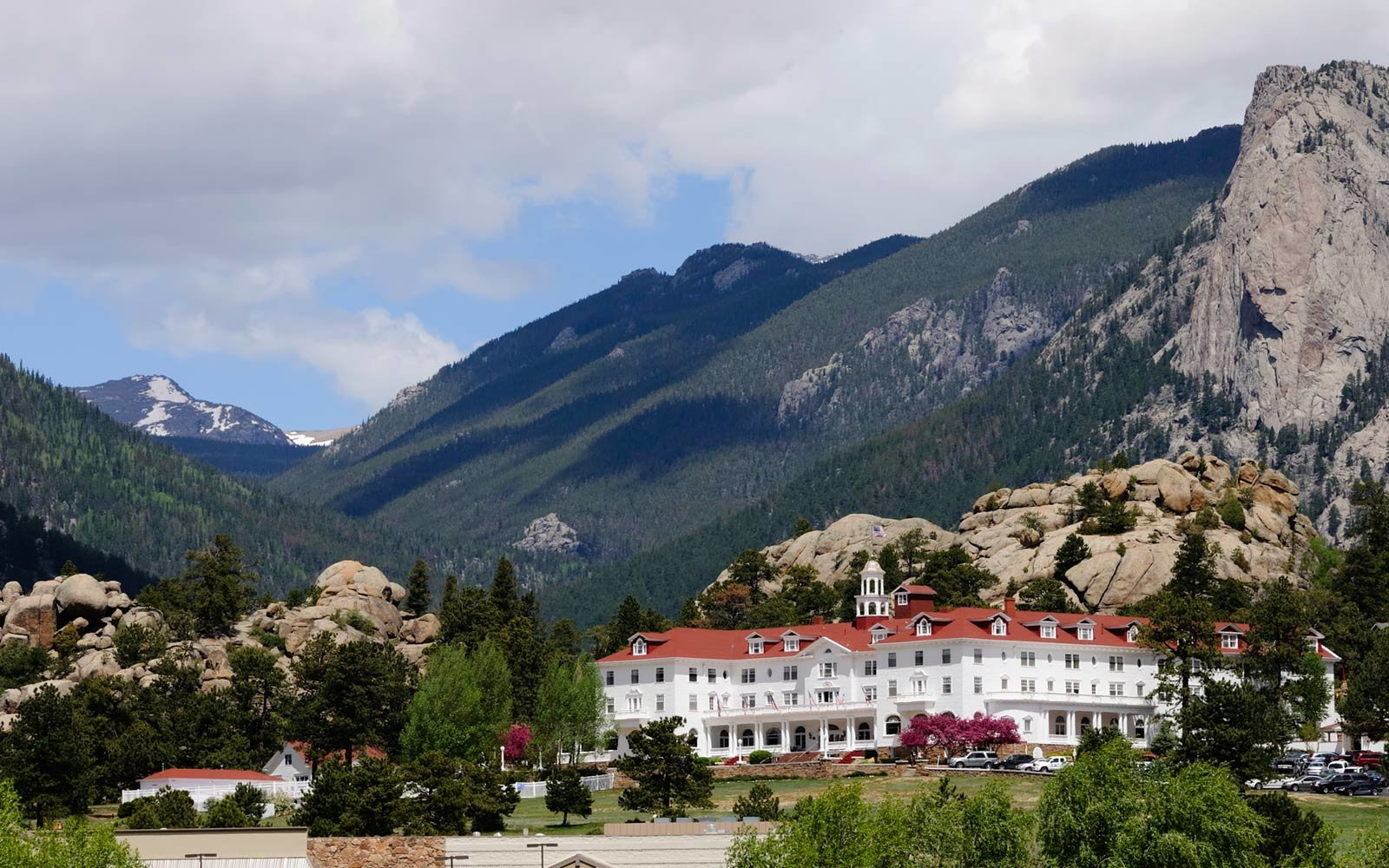 10 Most Haunted Hotels in America
