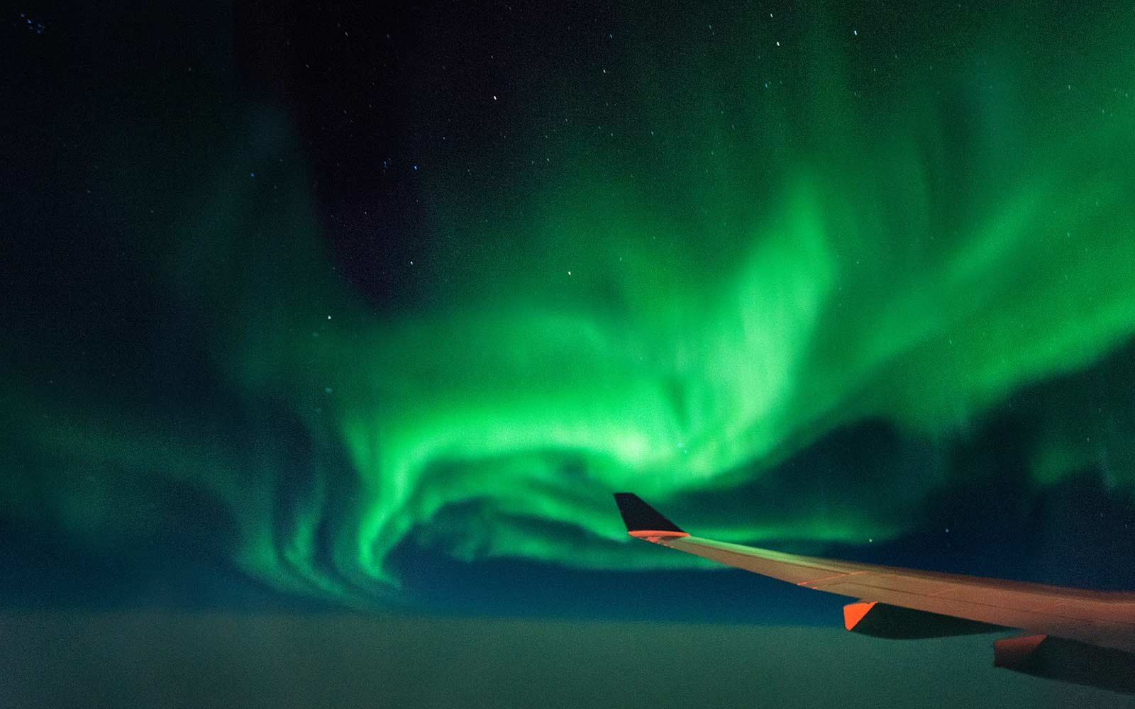 4k Fall Michigan Wallpaper What The Northern Lights Look Like Through An Airplane