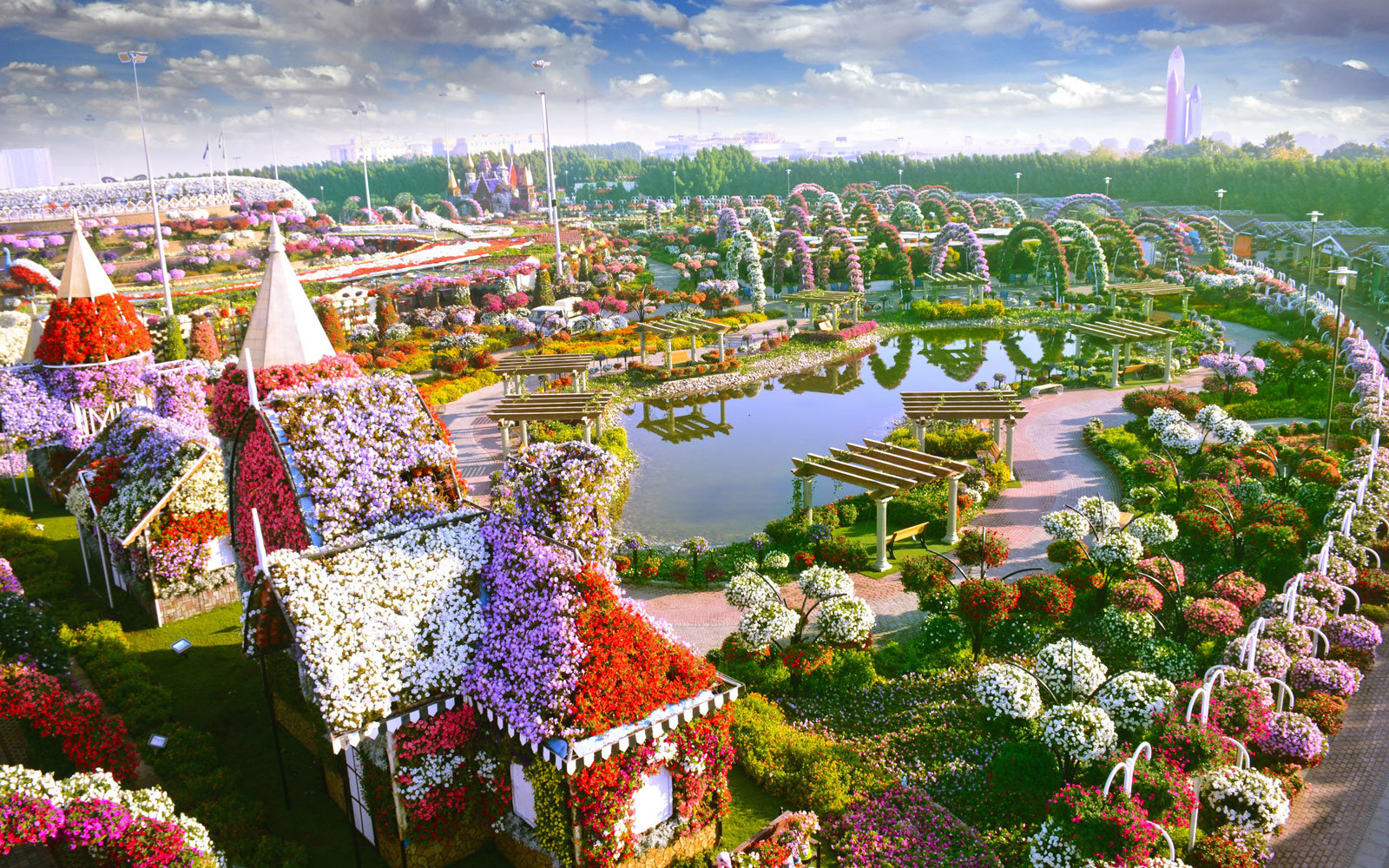 The Worlds Biggest Flower Garden Sits in the Middle of a