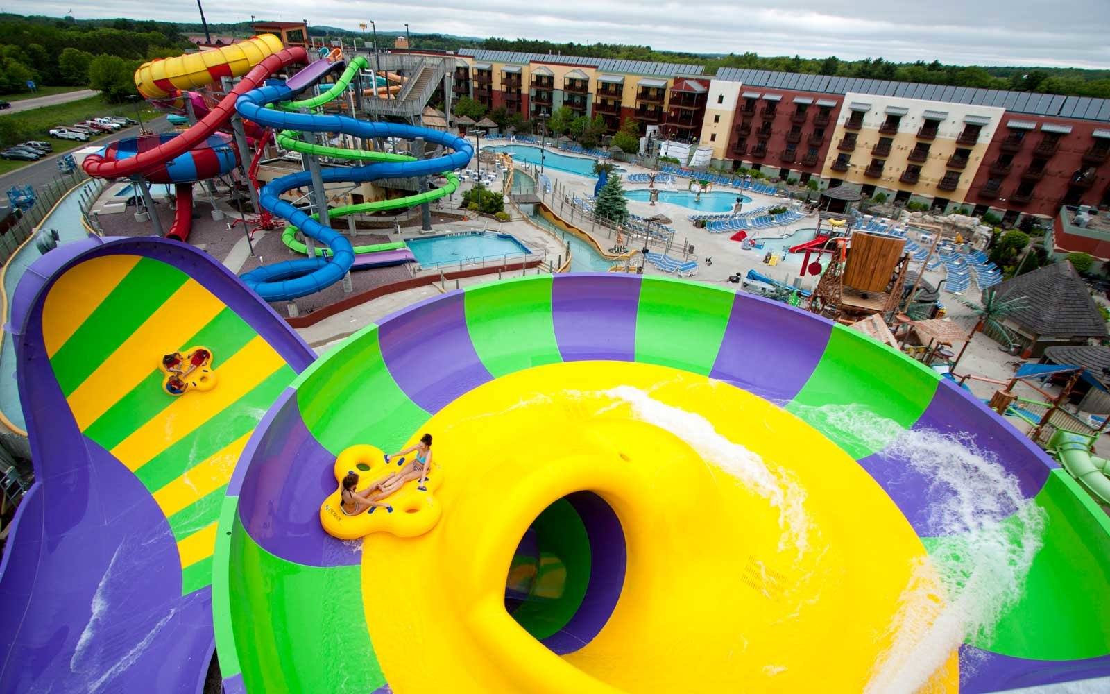 Hotels With Roller Coasters And Water Slides