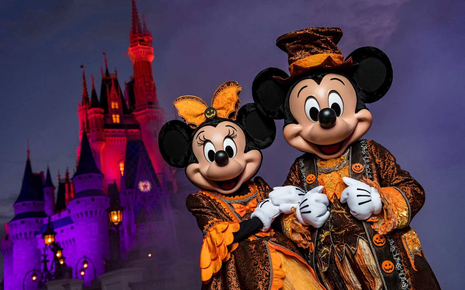 Iphone Six Fall Wallpaper 11 Theme Park Halloween Celebrations That Ll Have You