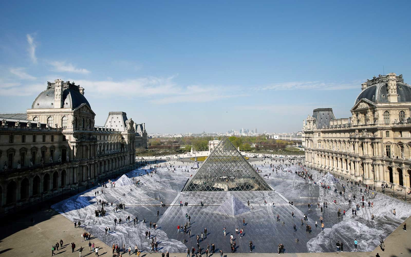 Optical Illusion Transformed Louvre