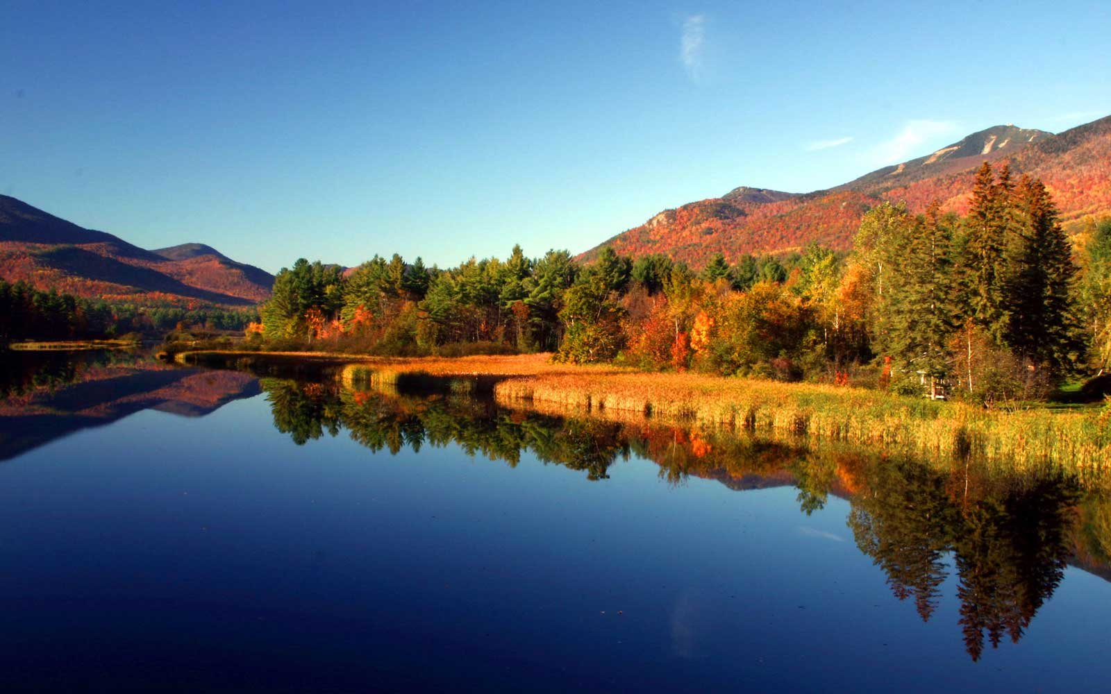 New England Fall Themed Wallpaper America S Best Towns For Fall Colors Travel Leisure