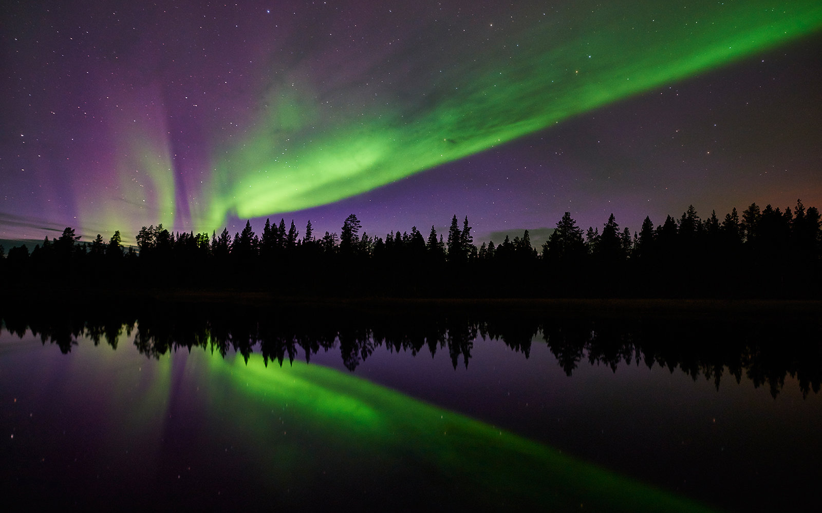 Sleep Under Northern Lights In Moving Hotel Room