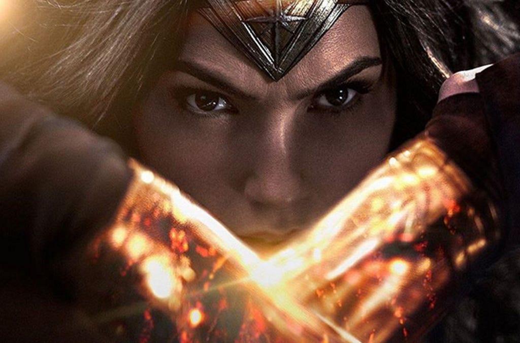 Confronto de Batman vs Superman chega aos cinemas e o destaque fica na estreia de sua coadjuvante, a Mulher Maravilha.