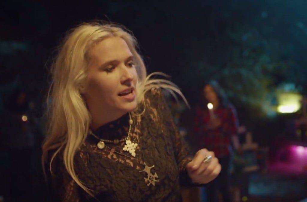 ALERTA: tem Diplo motoqueiro sensual no clipe novo do Major Lazer