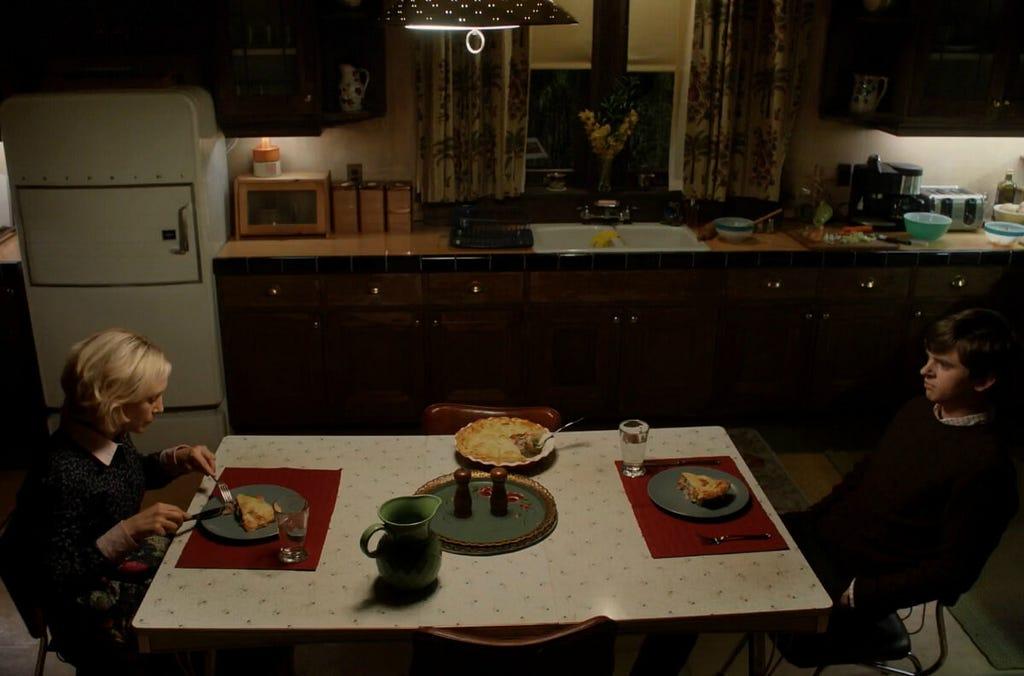 Bates Motel 4x02 - Goodnight, Mother