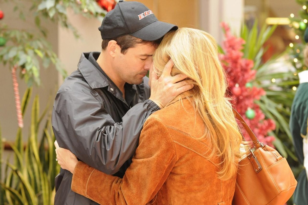 Friday Night Lights Season 5 Kyle Chandler and Connie Britton