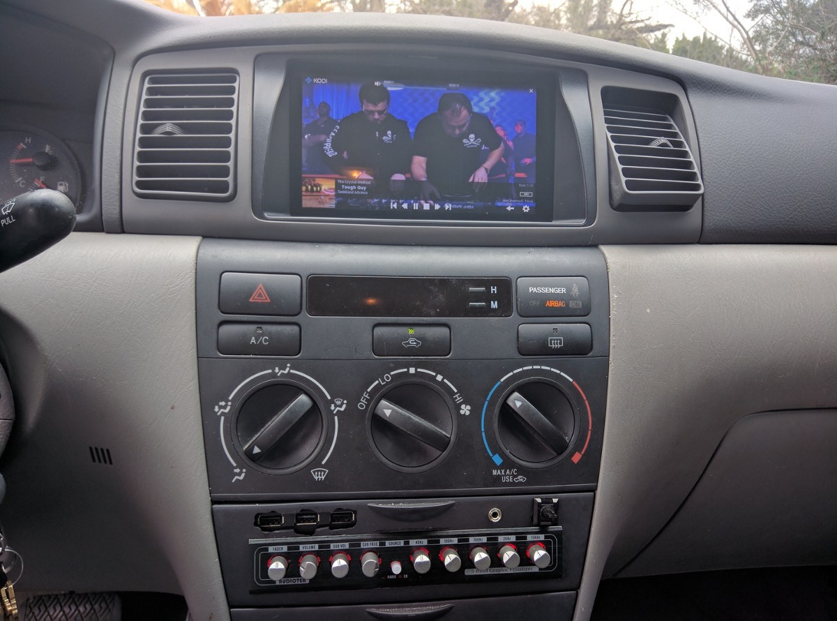 2007 Corolla Gets an Amazing Raspberry Pi Media Upgrade