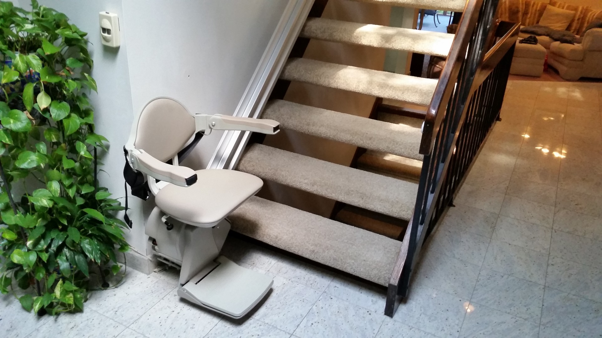 electric stair chair for baby shower troubleshooting a bruno elan stairlift sre 3000 ryan penn medium