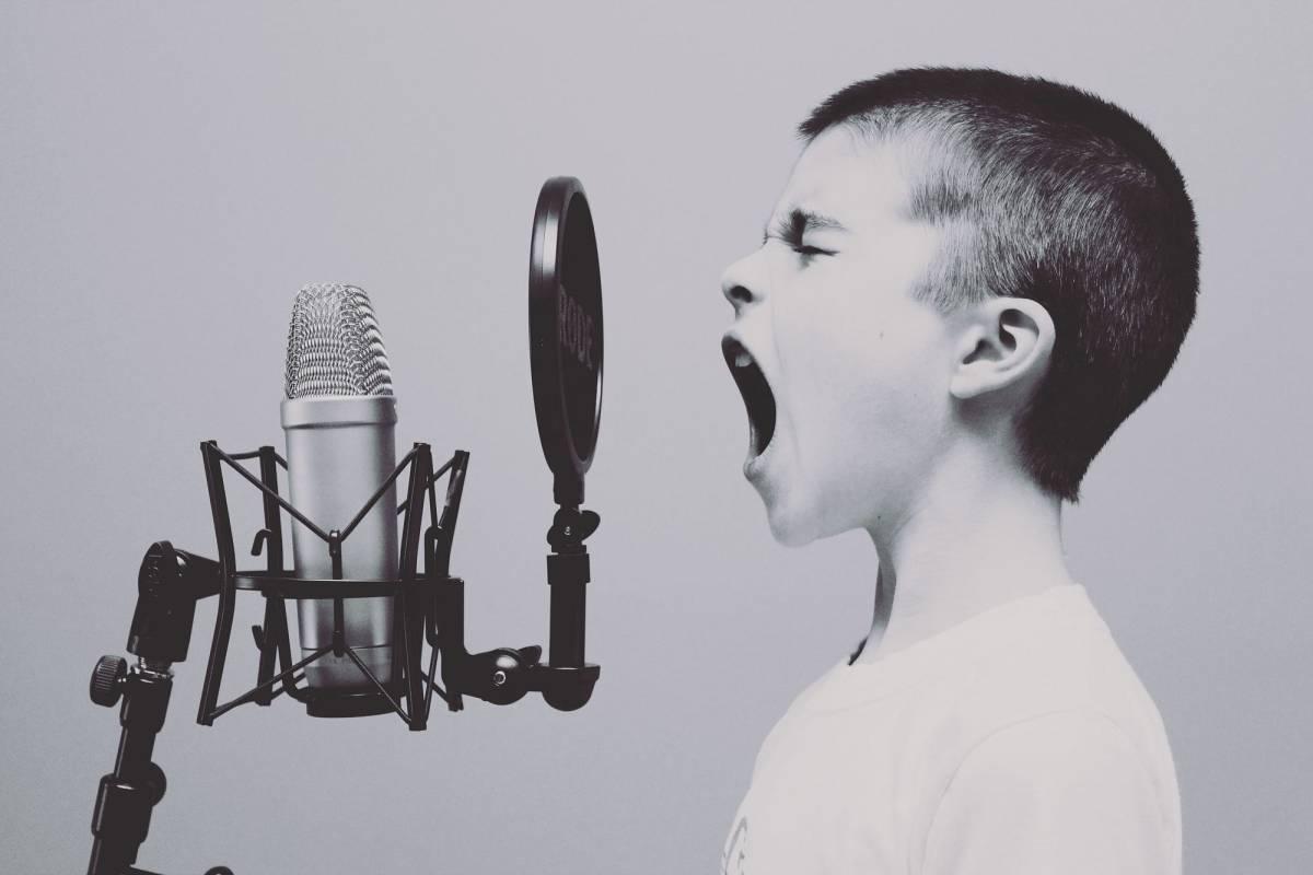 melatih otak dengan berbicara