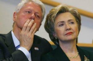 O casal Clinton: unidos mesmo no escândalo de infidelidade
