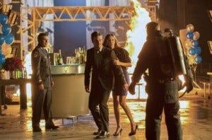 Arrow - 1x10  Burned
