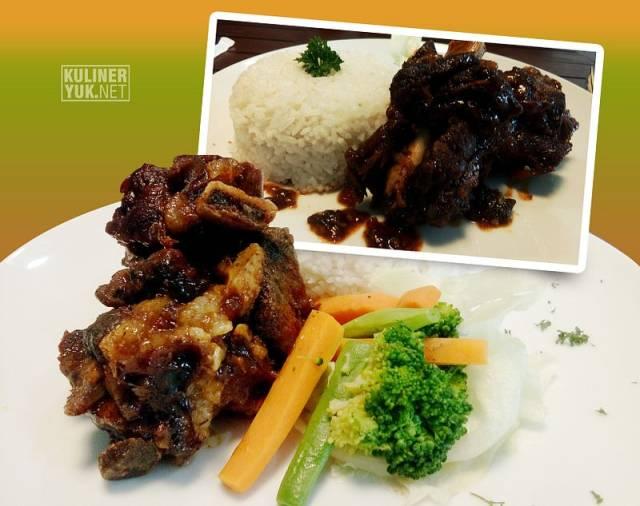 The SOFA's Grilled Ribs ~ iga bakar SOFA Pasirkoja Bandung