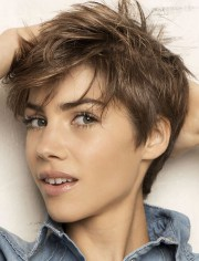 short haircuts in autumn-winter