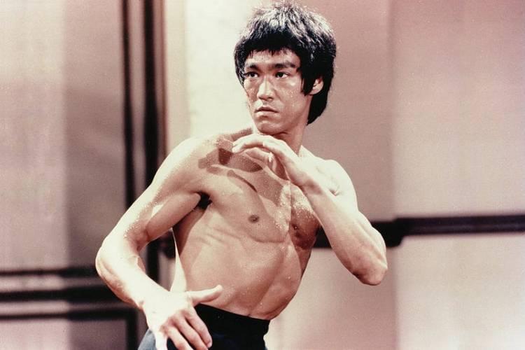 Bruce Lee in combat