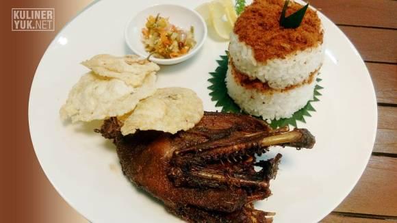 Bebek Goreng ~ One of the traditional dishes as Signature Food at SOFA Pasirkoja Bandung