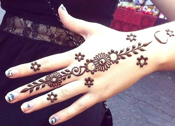 Henna Tangan Simple Cantik Mudah
