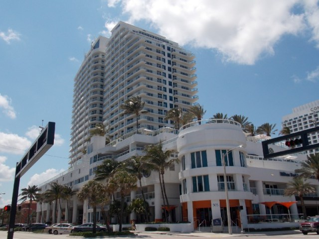 Exterior of the Hilton Fort Lauderdale Beach Resort, hotel, street view