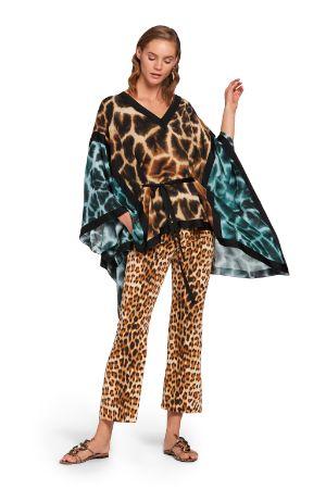 Kaftano in seta con stampa Giraffe