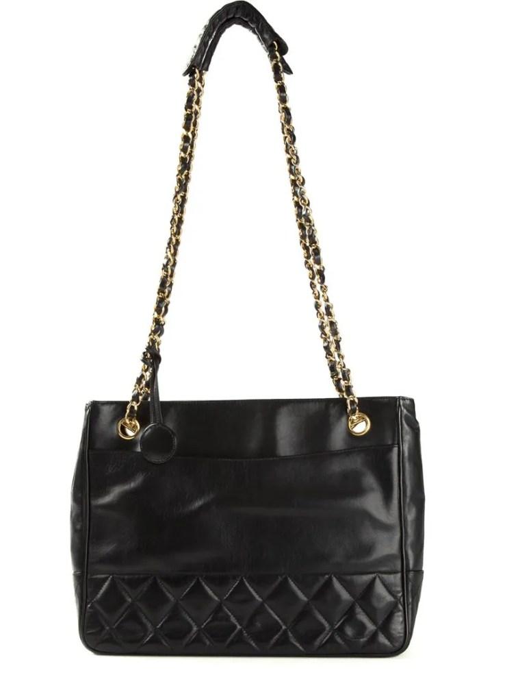 CHANEL VINTAGE black quilted shoulder bag